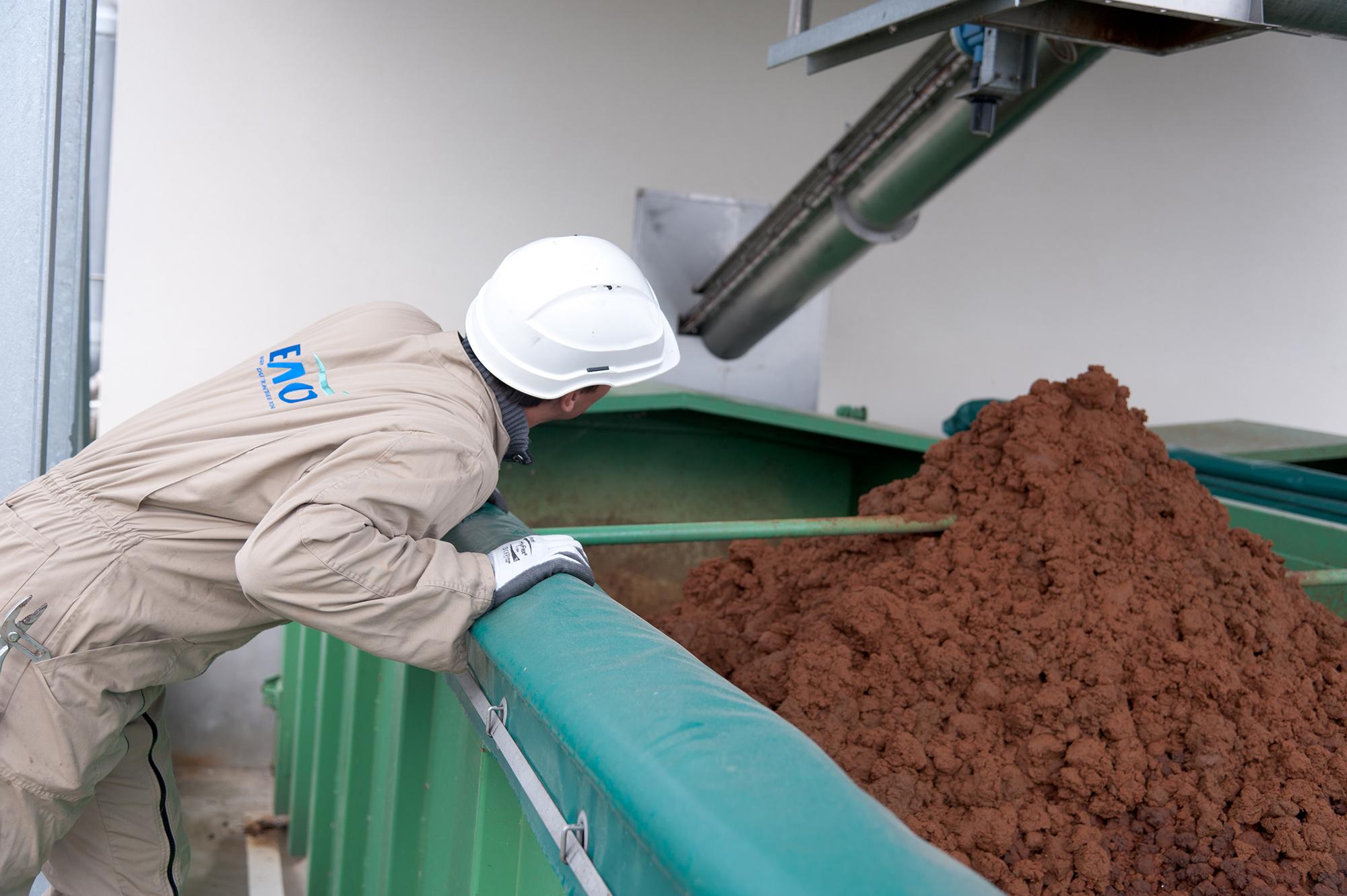 installation mise en service p le d 39 expertise emo france traitement des boues et eaux us es. Black Bedroom Furniture Sets. Home Design Ideas